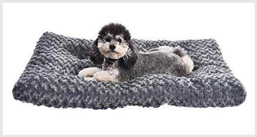 AMAZONBASICS Dog Bed